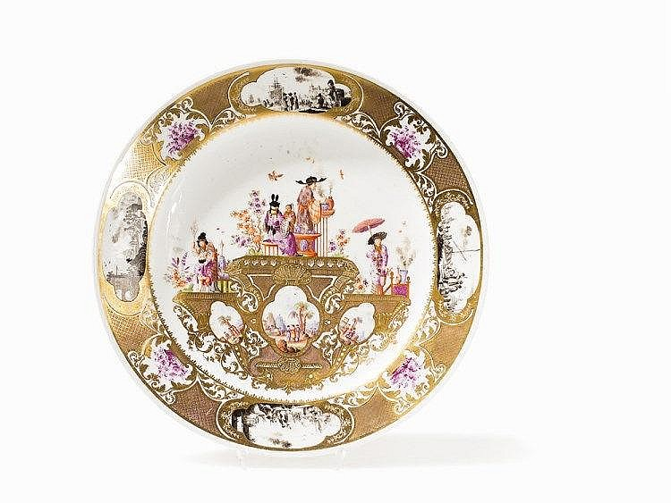 Meissen Plate with Chinoiserie after Hoeroldt, Germany, c. 1735