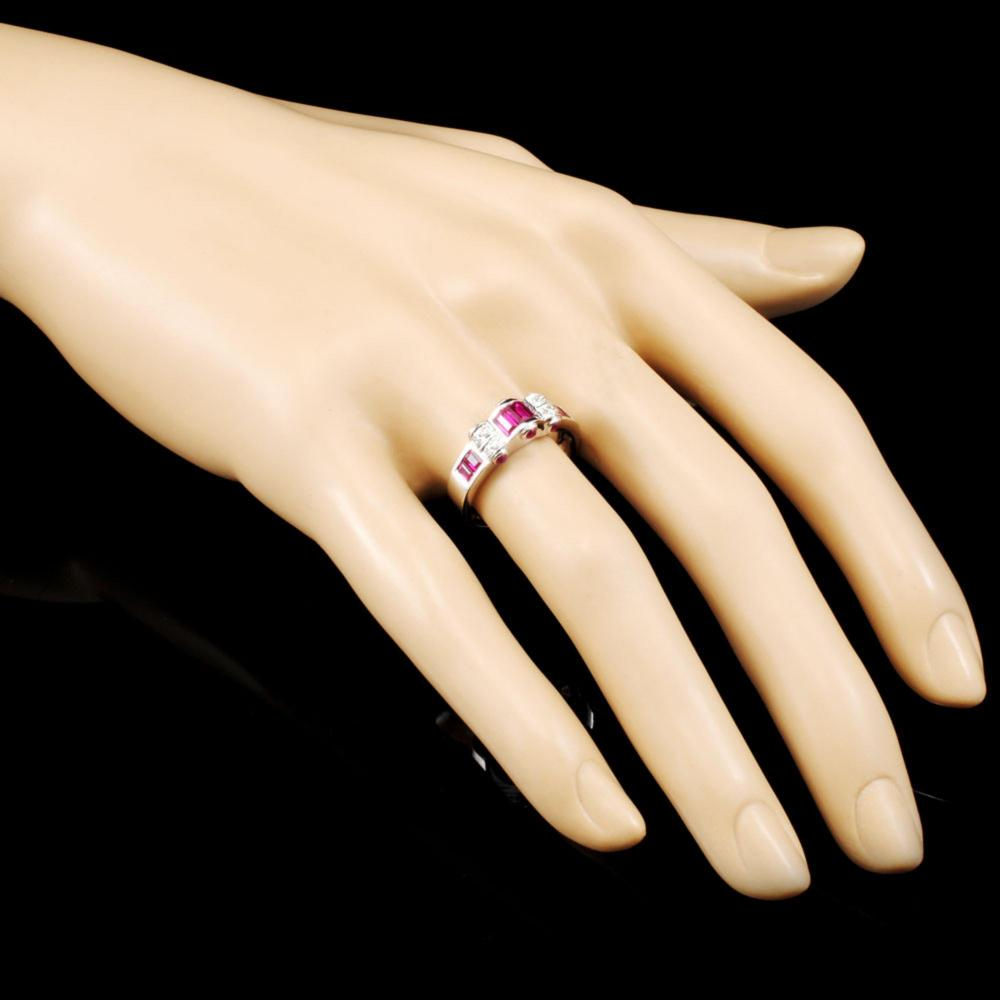 Lot 16: 18K Gold 1.11ct Ruby & 0.04ctw Diamond Ring