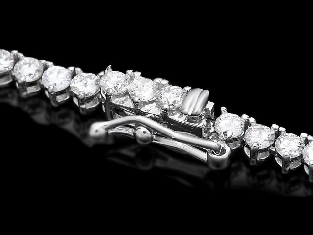 Lot 38: ^18k White Gold 10.00ct Diamond Necklace