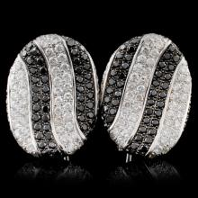 18K White Gold 2.50ctw Fancy Color Diamond Earring