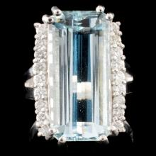 14K Gold 9.95ct Aquamarine & 0.42ctw Diamond Ring