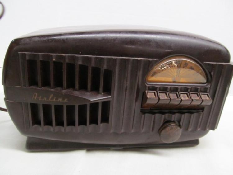 Vintage Airline Bakelite Radio