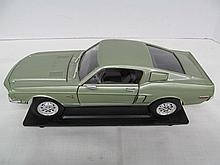 (23) Die Cast Green 1968 Ford Shelby Mustang Cobrajet 428 G.T. 500KR
