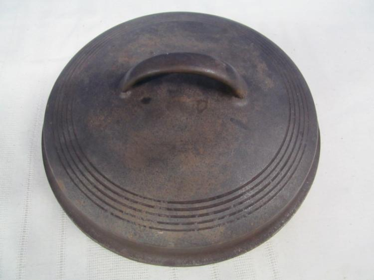 VINTAGE WAGNER WARE 1267 CAST IRON LID 9