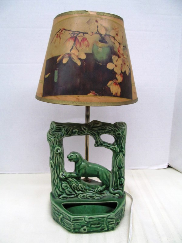 VINTAGE MCCOY POTTERY LAMP