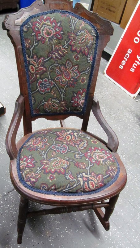 ANTIQUE EASTLAKE ROCKING CHAIR c. 1880-1890