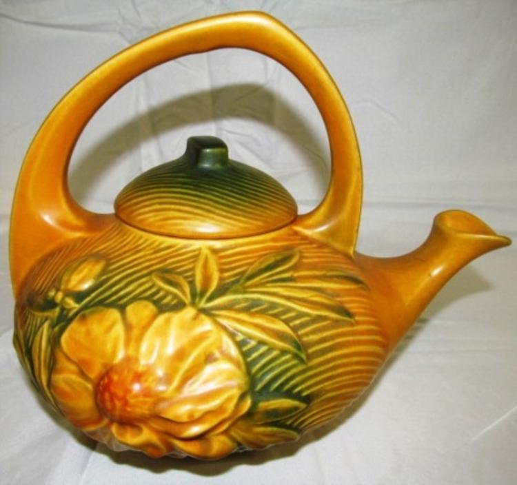VINTAGE ORIGINAL ROSEVILLE POTTERY PEONY TEA POT