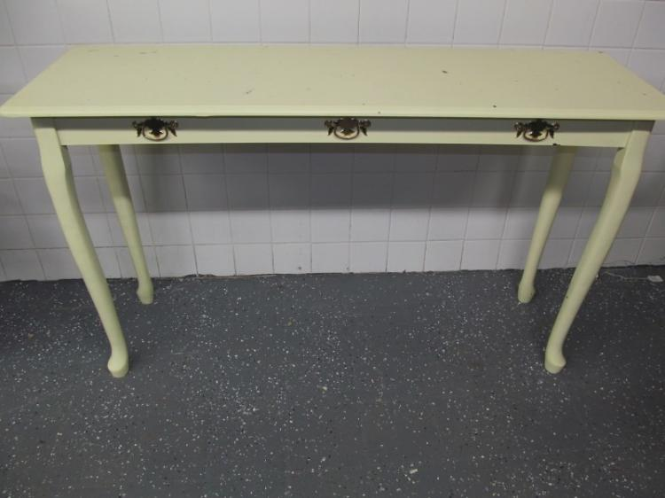 CREAM COLORED ENTRY TABLE