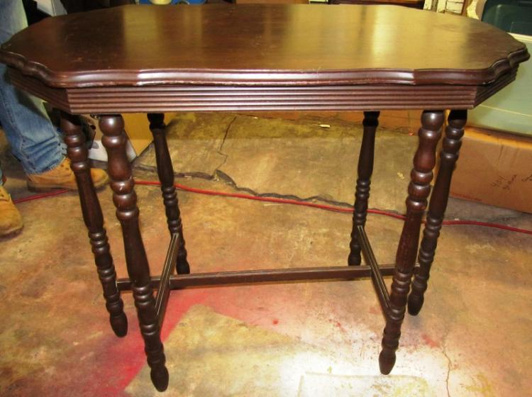 6 LEG ACCENT TABLE W/TRESTLE & PIE CRUST EDGE
