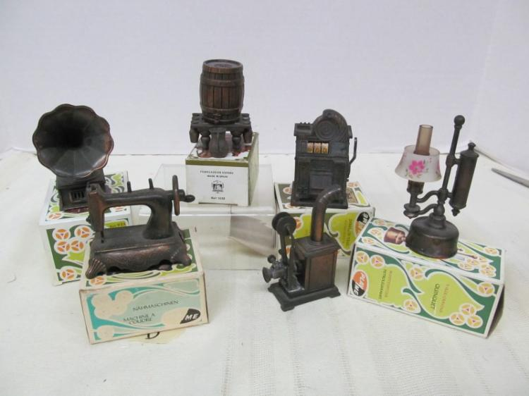 LOT OF 6 VINTAGE METAL FIGURAL PENCIL SHARPENERS ~ PHONOGRAPH ~ WHISKEY BARREL ~ SEWING MACHINE ~ SLOT MACHINE ~ MAGIC LANTERN ~ ETC ~ MOST IN ORIGINAL BOXES