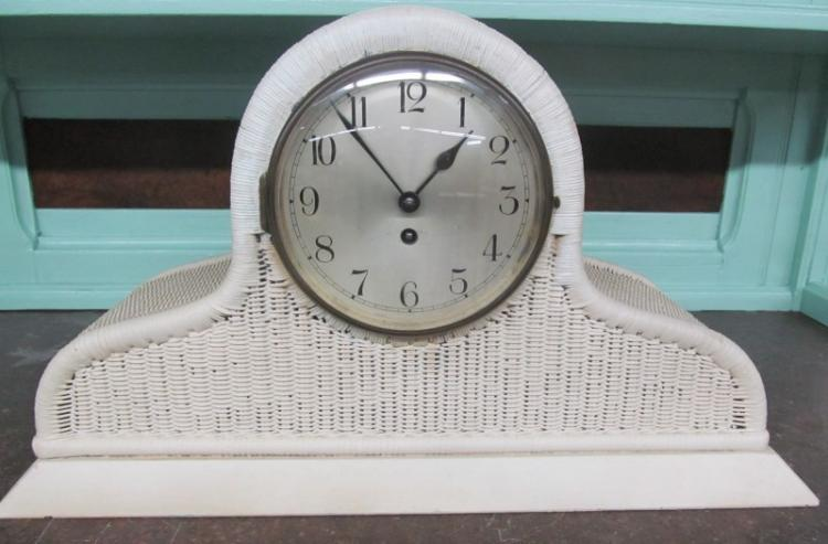WICKER KEY WIND MANTLE CLOCK w/PENDULUM