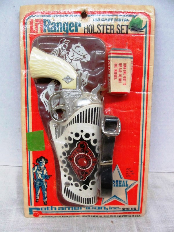 VINTAGE Li'l RANGER HOLSTER SET ~ CAP GUN w/CAPS ~ IN ORIGINAL BLISTER PACKAGE