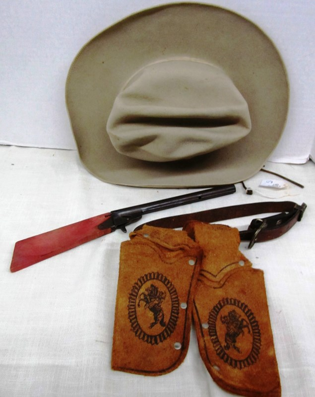 DRESS UP COWBOY ITEMS ~ HAT ~ PLAY RIFLE ~ DOUBLE GUN HOLSTER