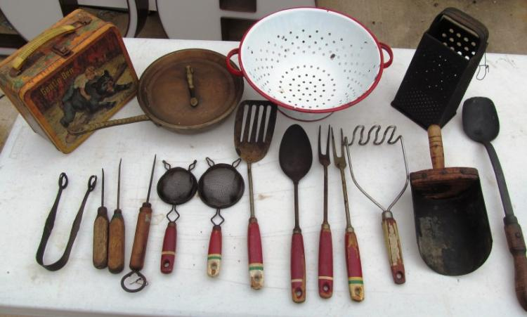 ANTIQUE KITCHEN TOOL LOT ~ METAL LUNCH BOX ~ RED HANDLE KITCHEN TOOLS ~ ENAMELED COLANDER ~ CHEESE SHREDDER ~ SCOOP ~ COPPER SKILLET w/COVER