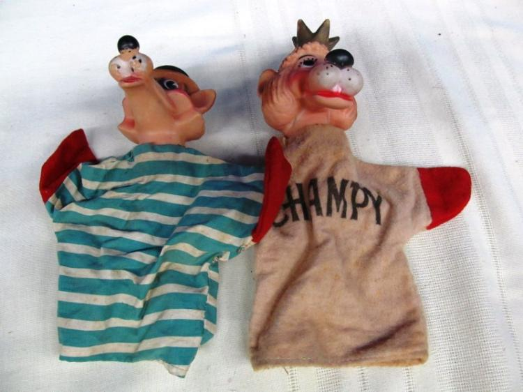VINTAGE PAIR OF HAND PUPPETS