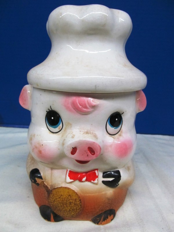 VINTAGE LITTLE PIGGY COOKIE / BISCUIT JAR