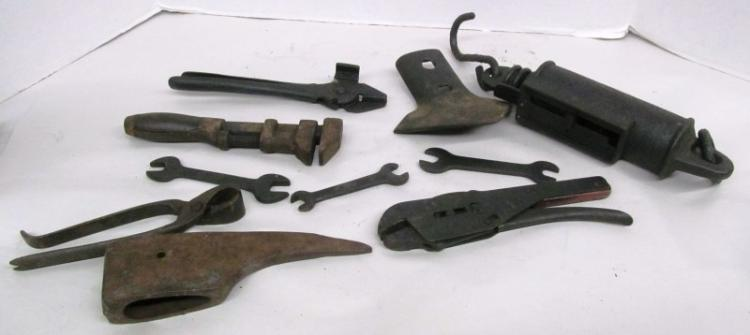 T-7 LOT OF 10 ANTIQUE HAND TOOLS / OTHER