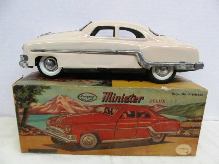 VINTAGE MINISTER DELUX METAL CAR ~ MECHANICAL & AUTOMATIC