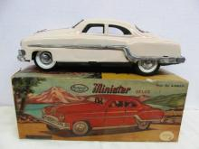 VINTAGE MINISTER DELUX METAL CAR ~ MECHANICAL & AUTOMATIC