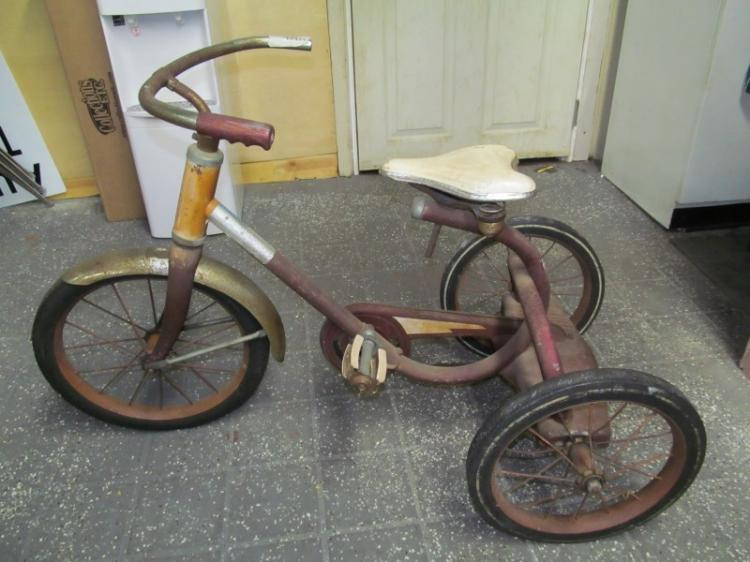 Antique Airplane Tricycle : Vintage red tricycle