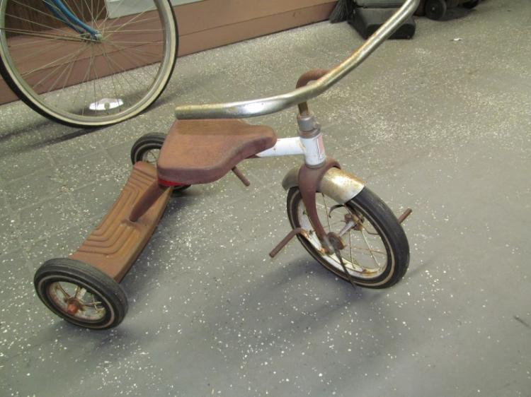Antique Airplane Tricycle : Vintage red amf junior tricycle