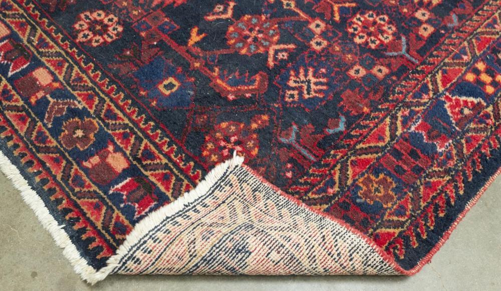 "Lot 565: HAND-TIED PERSIAN HAMADAN RUG, 6'5"" X 5'0"""