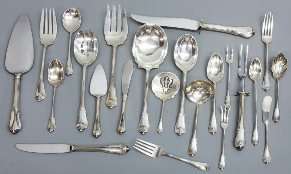NEARLY NEW CONDITION WALLACE GRAND COLONIAL STERLING SILVER SALAD FORK