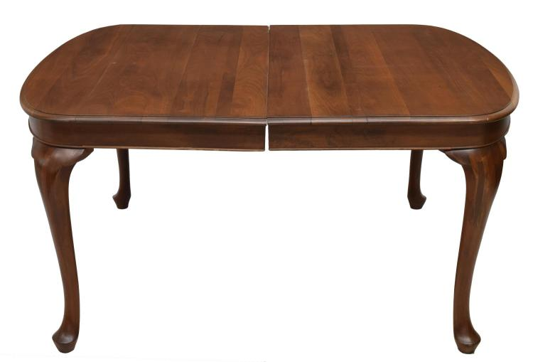 QUEEN ANNE STYLE MAHOGANY DINING TABLE : H1259 L118274628 from www.invaluable.co.uk size 750 x 509 jpeg 23kB