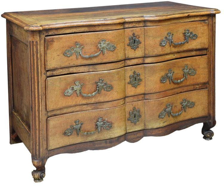 FRENCH LOUIS XV BLOCK FRONT WALNUT COMMODE, 18TH C