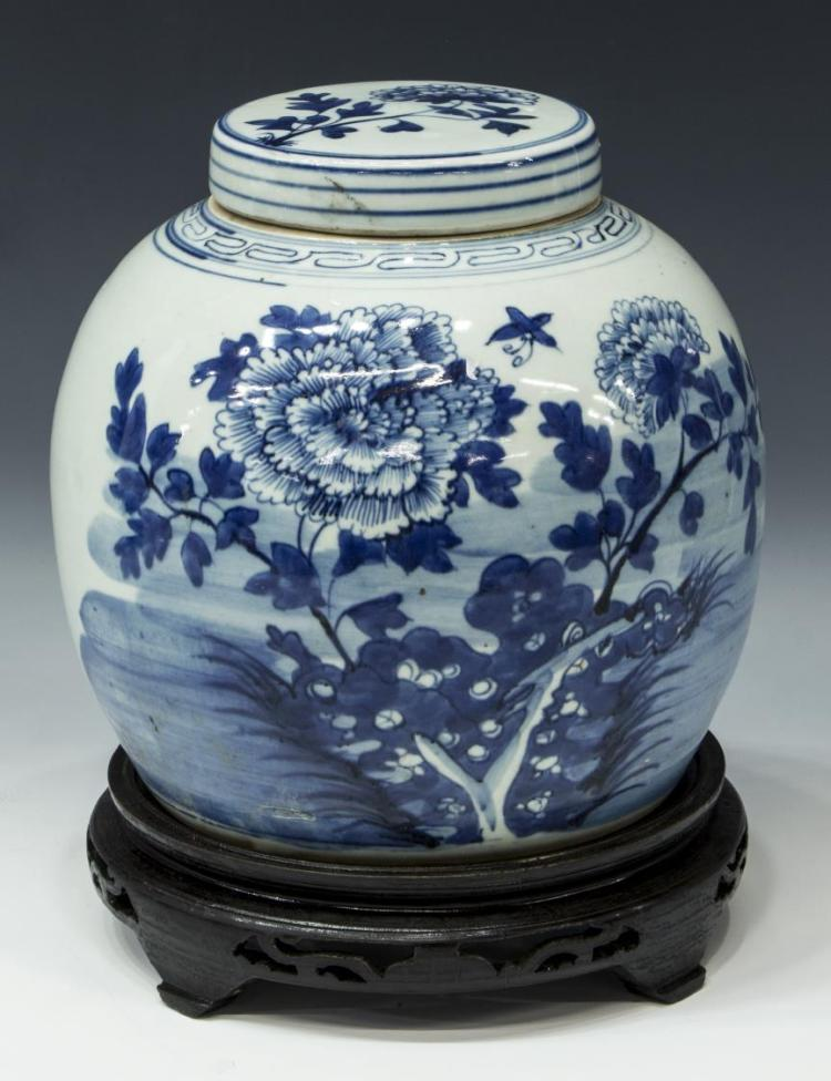 CHINESE BLUE AND WHITE PORCELAIN MELON JAR