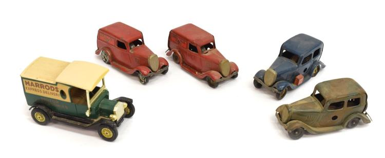 (5) TRIANG MINIC FORD ROYAL MAIL & SALOON TOY CARS