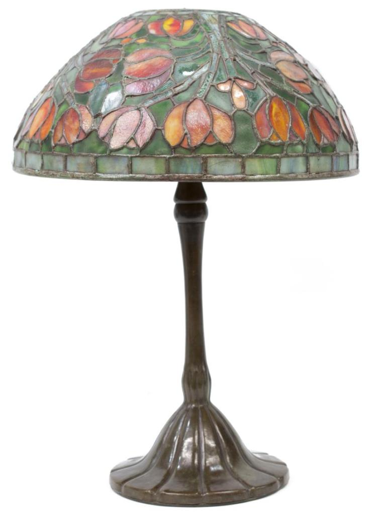 tiffany style stained glass table lamp. Black Bedroom Furniture Sets. Home Design Ideas