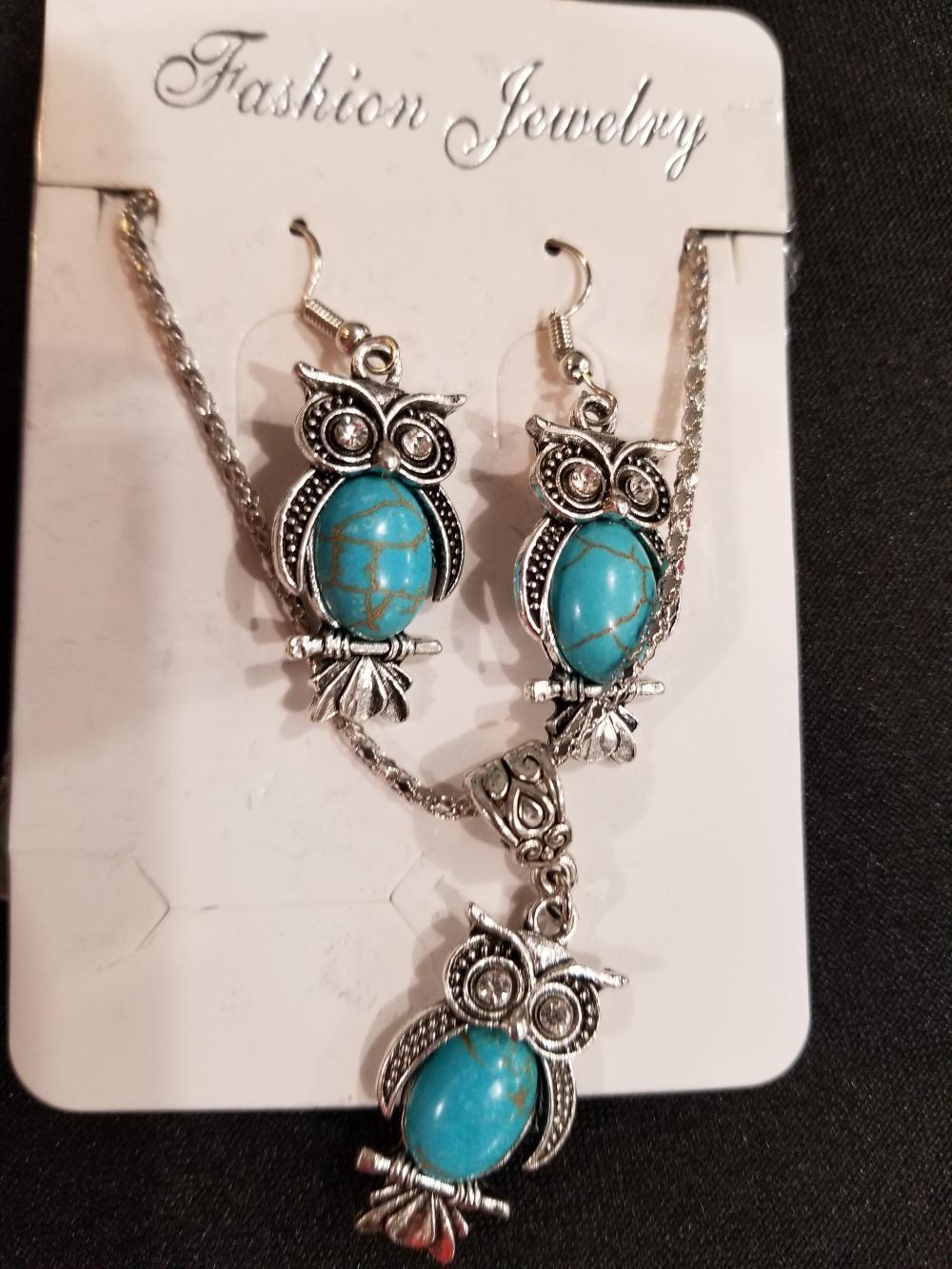 Lot 20: Jewelry
