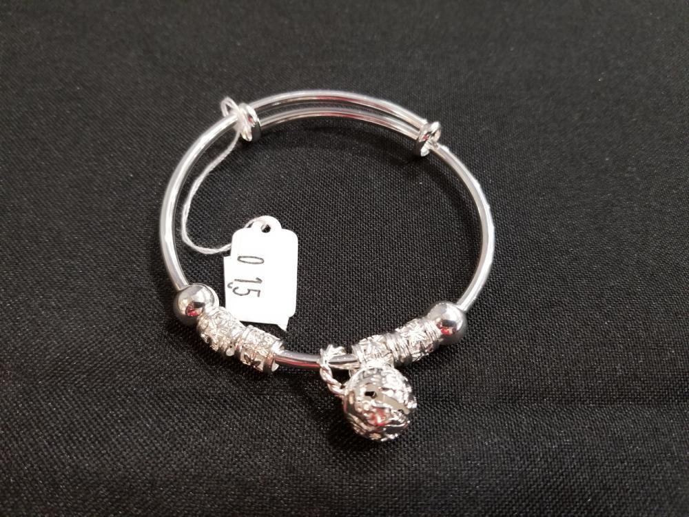 Lot 15: Jewelry