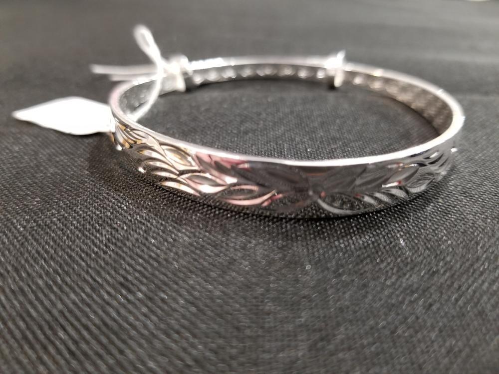 Lot 14: Jewelry