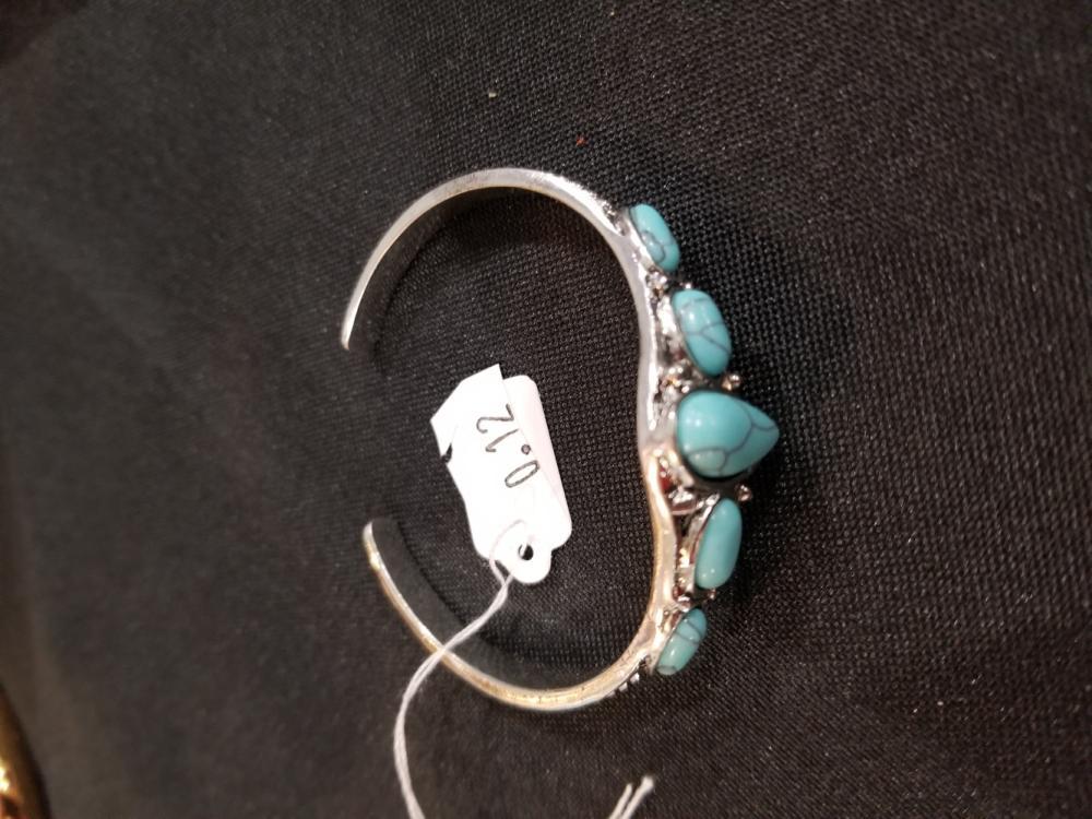 Lot 12: Jewelry