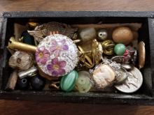 Lot 46: Jewelry