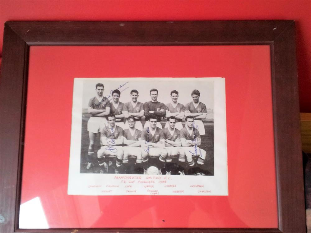 Lot 70 - Black and White photo showing Manchester United who were the 1958 FA Cup Finalists.