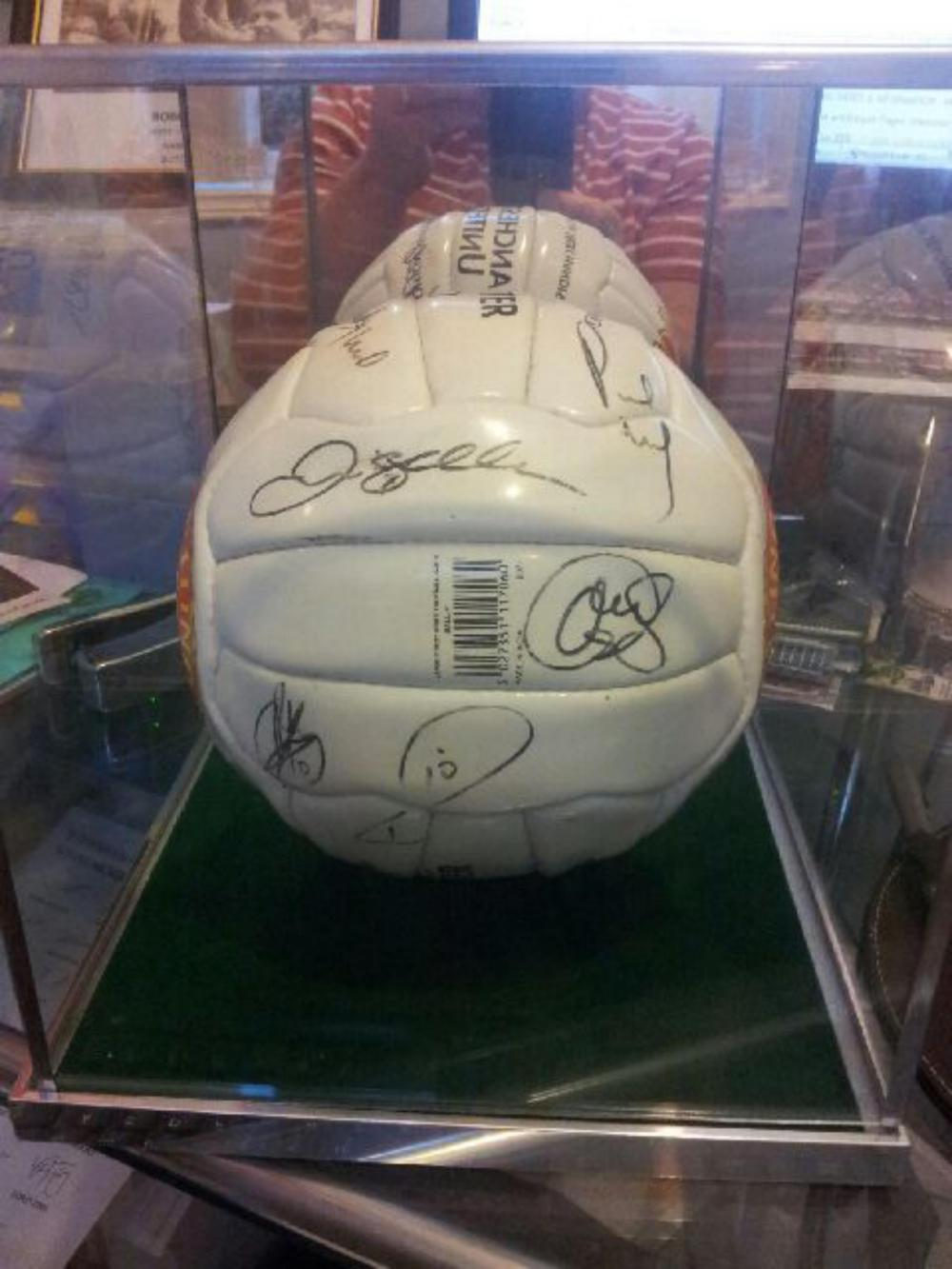 Lot 112: Signed 2002/03 Season Manchester United Football, signed by the following players 1 Roy Keane, 2 Sir Alex Ferguson 3 Michael Silvestre 4. Nicky Butt 5 Veron 6. Beckham 7. Paul Schole's 8. Fortune 9. Ruud Van Nistlerooy, 9. Brown 10. Olle