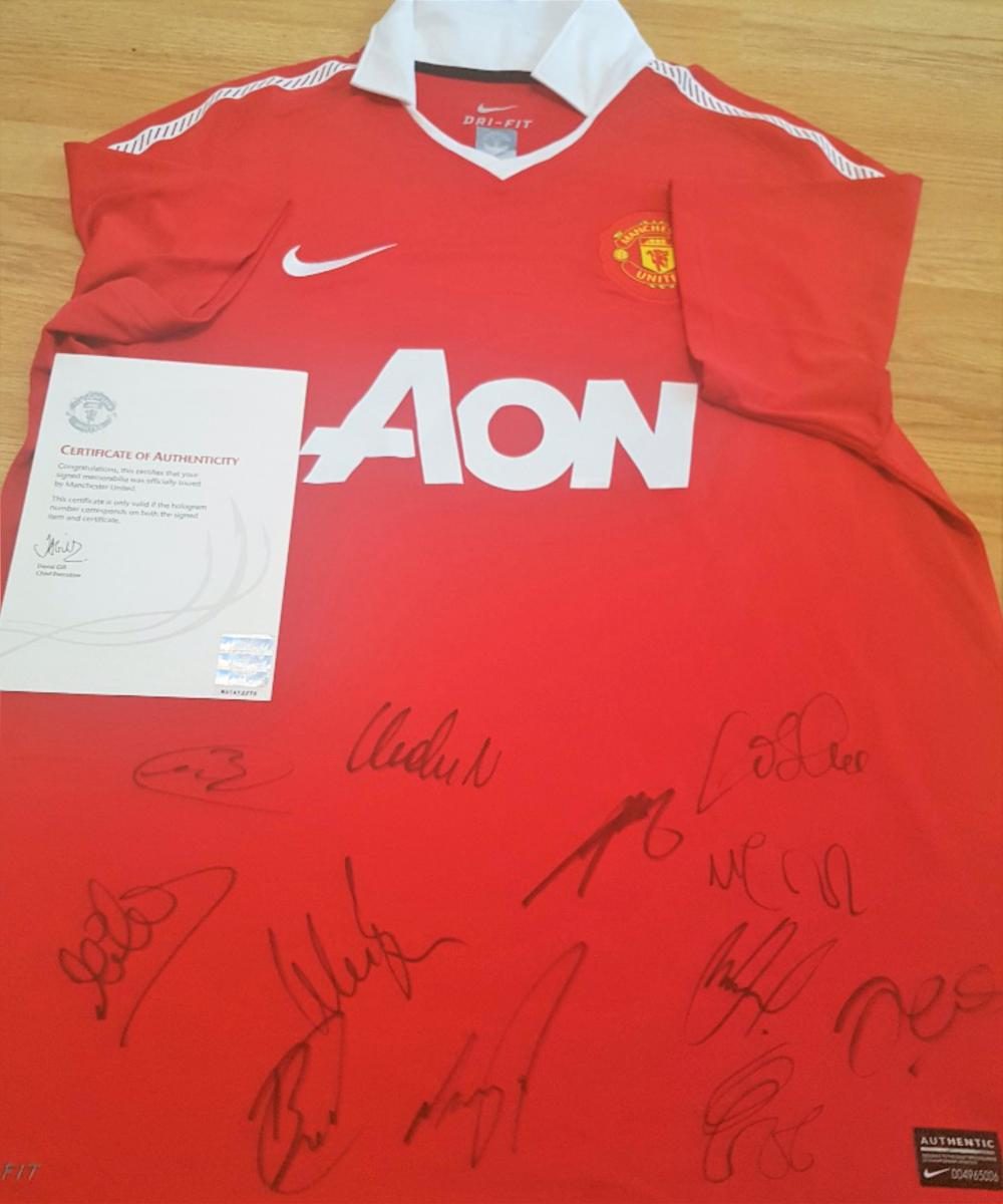 Lot 35 - 2015 / 2016 Signed Manchester United Football Shirt direct from the Football Club.