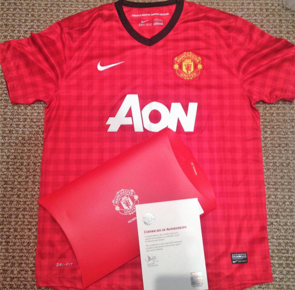 Lot 37 - Signed Manchester United Football Shirt - By LEGEND Paul Scholes