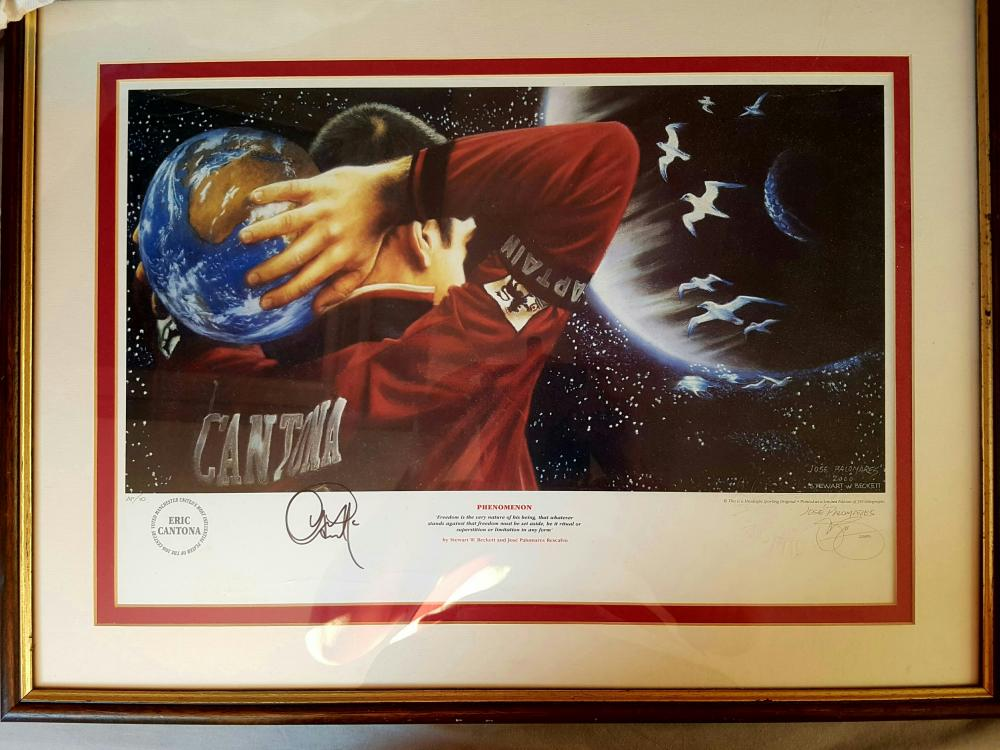 Lot 47 - Former Manchester United LEGEND Eric Cantona signed and framed picture.