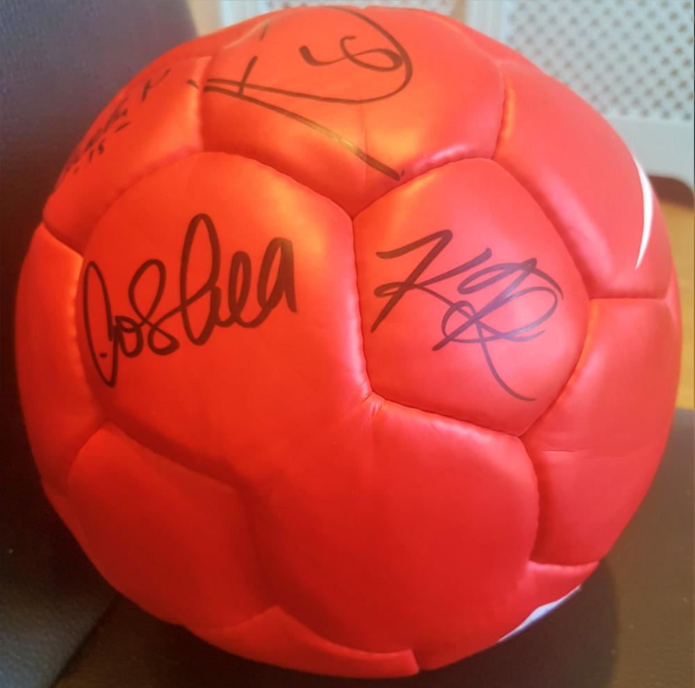 Lot 94 - Signed Manchester United frootball from Season 2015/2016 direct frm the Club.  Signed by the following players Rooney, Evra, Vidic,  Carrick, Ferdinand, Owen, Brown, Evans, Kuszczak, Foster, Oshea, Park, Nani