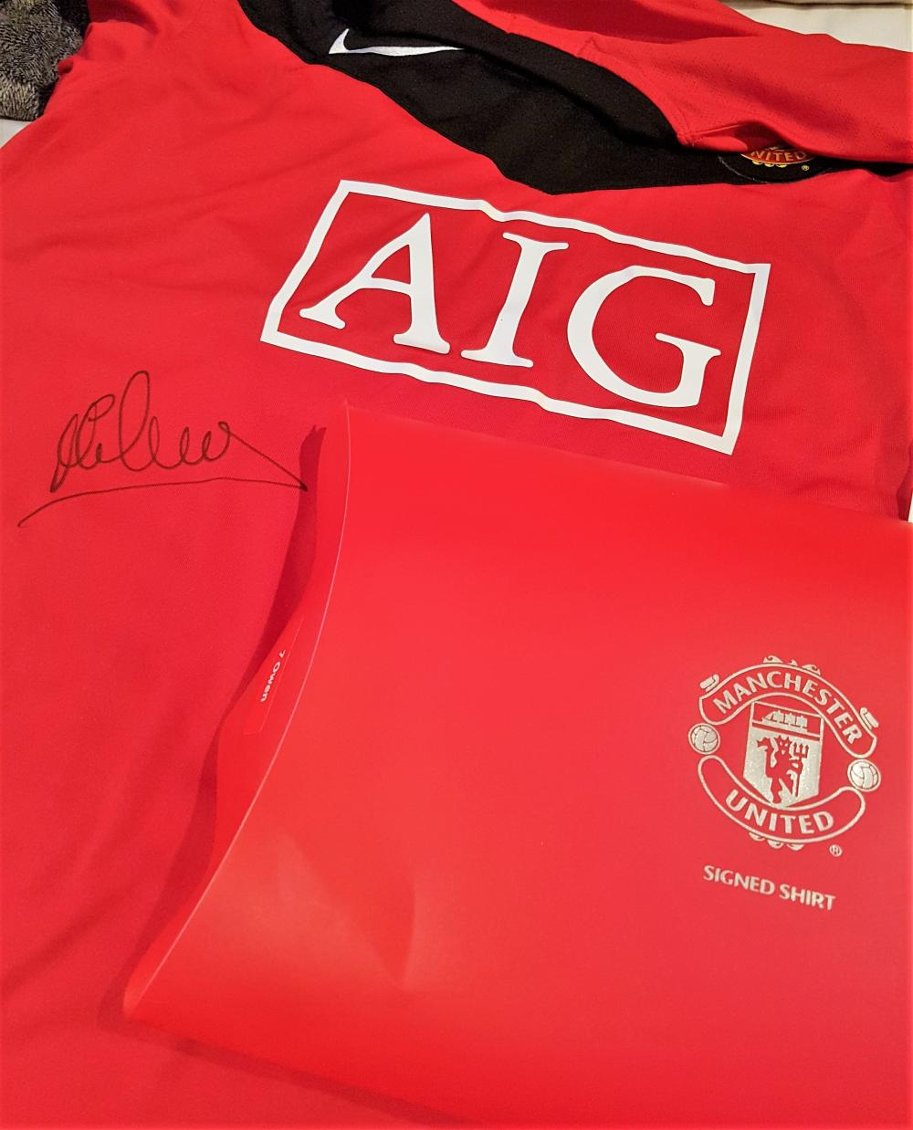 Lot 129: Manchester United Signed Michael Owen Shirt - Michael James Owen (born 14 December 1979) is an English former footballer who played as a striker for Liverpool, Real Madrid, Newcastle United, Manchester United and Stoke City, as well as for