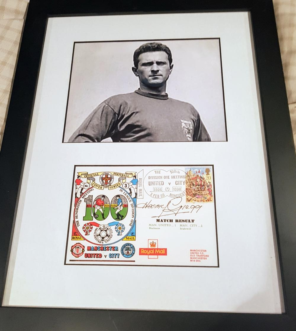 Lot 167: Former goalkeeper Harry Gregg (Manchester United Munich Survivor) - Framed picture with signed First Day Cover FDC