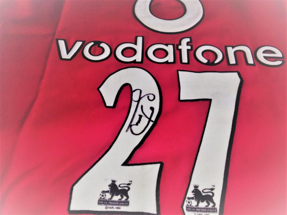 Lot 203: Signed Manchester United Football Shirt by Silvestre