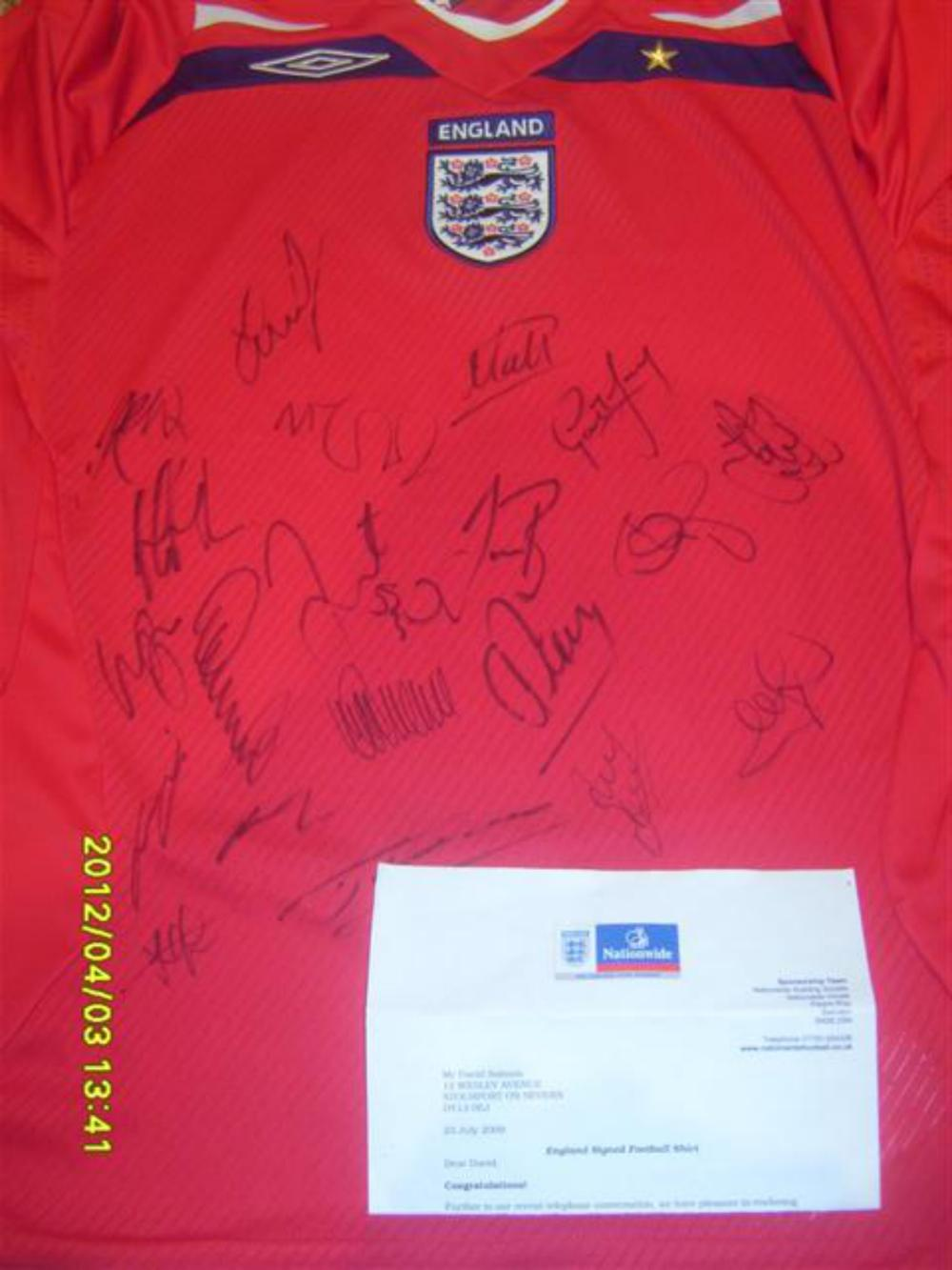 Lot 257: England Team Signed Shirt No 2 - Signed by Carrick, Barry, Neville,Matthew Upson, and many more