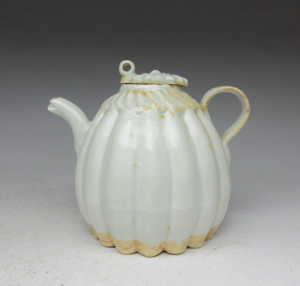 Song Dynasty Hutian Kiln Green White Glazed Melon Pot