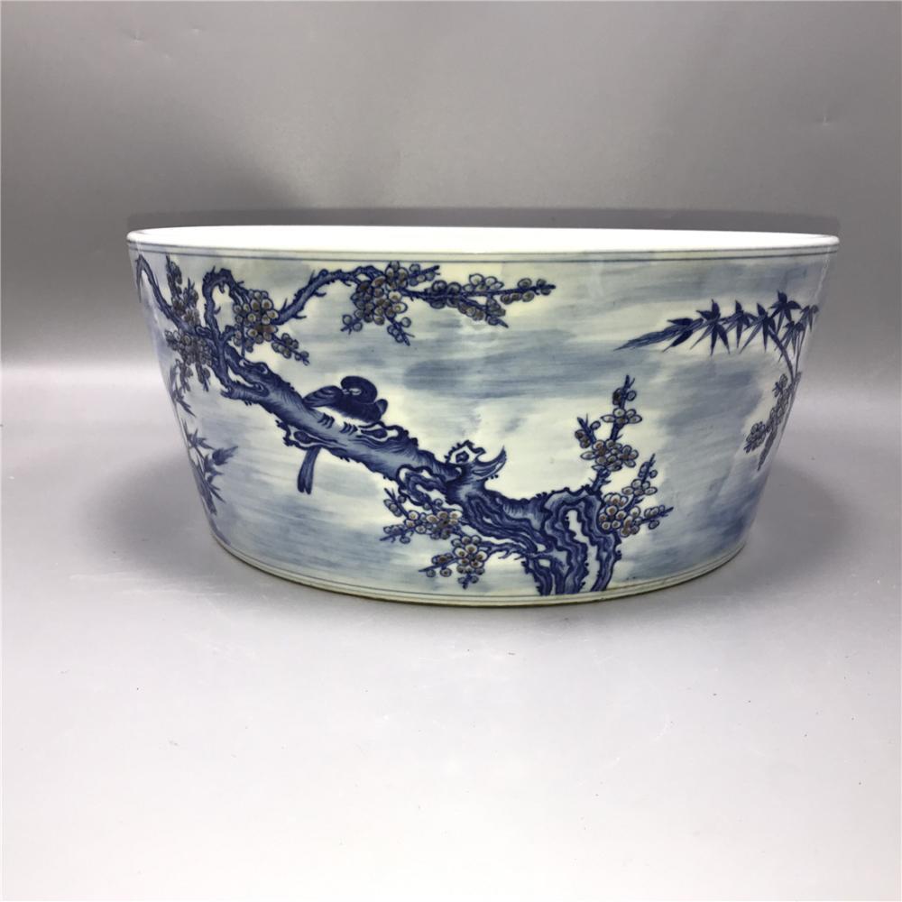 Qing Yongzheng blue and white glaze red flower and bird pot