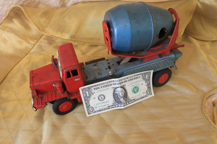 Metal toy cement truck
